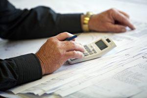 Fraccionar el IVA y el IRPF